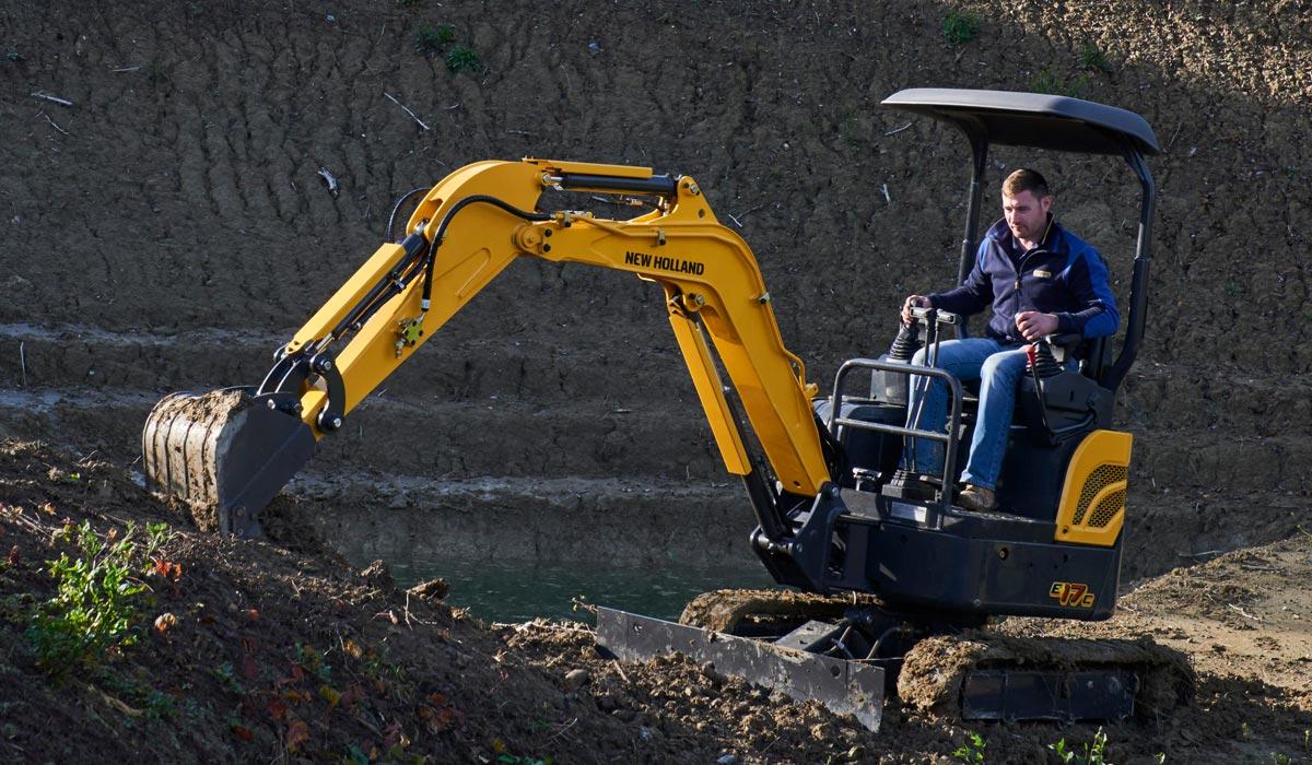 New Holland Construction E17